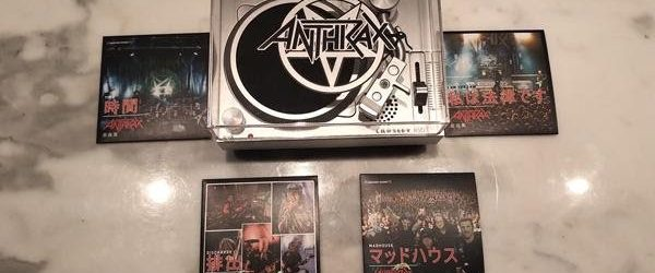 ANTHRAX To Release Custom Mini-Turntable And Bundle Featuring Four 3-Inch Vinyl Discs